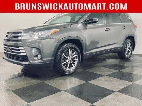 2018 Toyota Highlander for sale at Brunswick Auto Mart in Brunswick OH