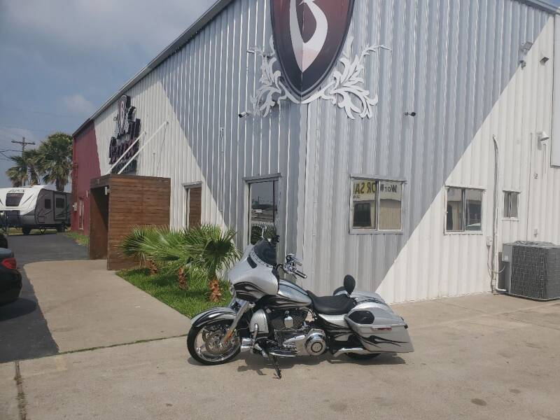 2015 Harley Davidson  CVO street GLIDE Special for sale at Barrett Bikes LLC in San Juan TX
