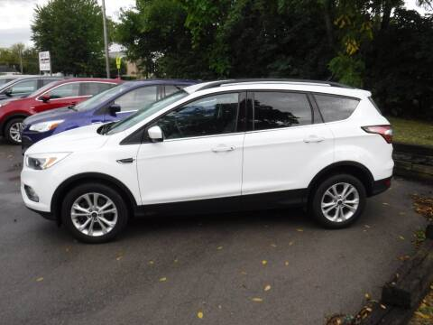 2018 Ford Escape for sale at Dave's Car Corner in Hartford City IN