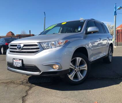 2013 Toyota Highlander for sale at LUGO AUTO GROUP in Sacramento CA