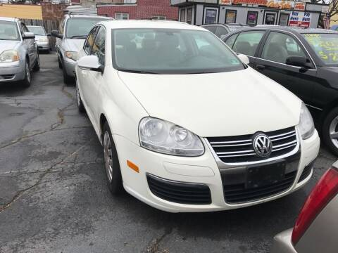 2005 Volkswagen Jetta for sale at Chambers Auto Sales LLC in Trenton NJ