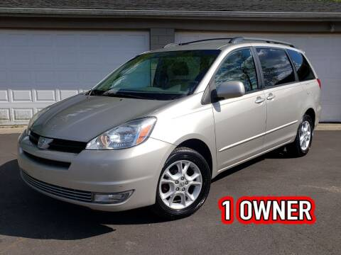 2004 Toyota Sienna for sale at Riverfront Auto Sales in Middletown OH