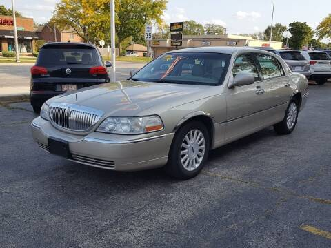2004 Lincoln Town Car for sale at AUTOSAVIN in Elmhurst IL