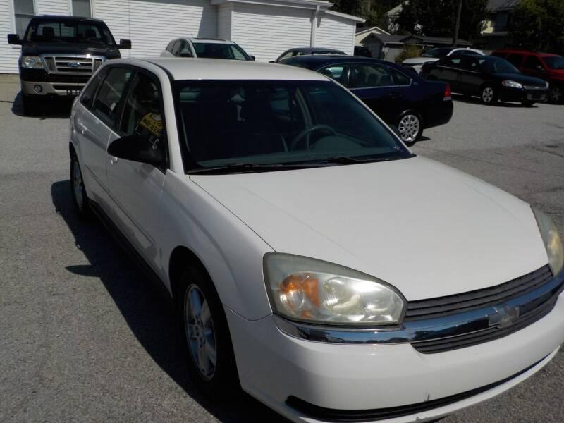 2004 Chevrolet Malibu Maxx for sale at SEBASTIAN AUTO SALES INC. in Terre Haute IN