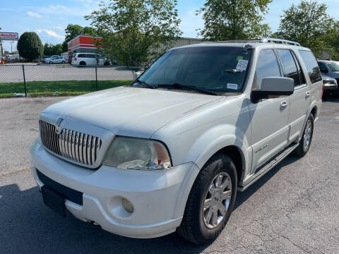 2004 Lincoln Navigator for sale at Diana Rico LLC in Dalton GA