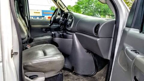 2006 Ford E-Series Cargo for sale at Schaumburg Auto Group in Schaumburg IL