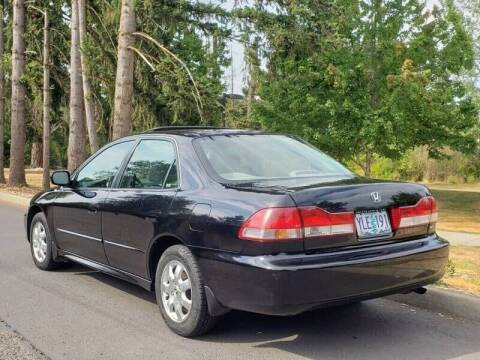 2001 Honda Accord for sale at CLEAR CHOICE AUTOMOTIVE in Milwaukie OR