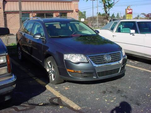 2009 Volkswagen Passat for sale at VOA Auto Sales in Pontiac MI