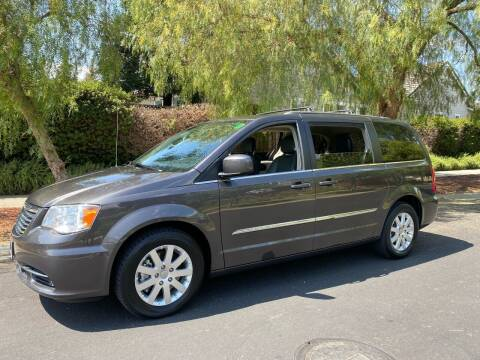 2015 Chrysler Town and Country for sale at California Diversified Venture in Livermore CA