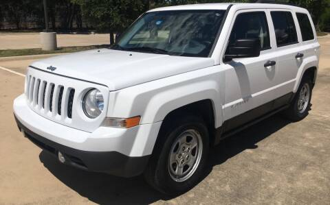 2013 Jeep Patriot for sale at Safe Trip Auto Sales in Dallas TX