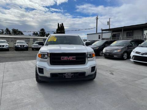 2015 GMC Sierra 1500 for sale at Velascos Used Car Sales in Hermiston OR