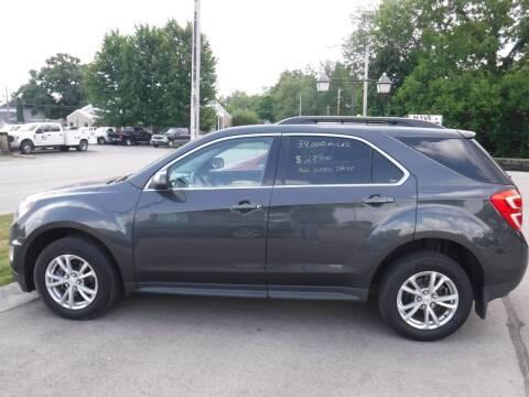 2017 Chevrolet Equinox for sale at Dave's Car Corner in Hartford City IN