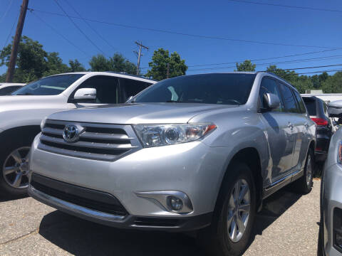 2011 Toyota Highlander for sale at Top Line Import of Methuen in Methuen MA
