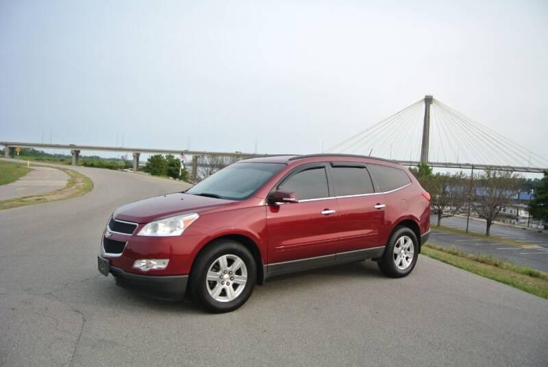 2010 Chevrolet Traverse for sale at BRADNICK PAST & PRESENT AUTO in Alton IL