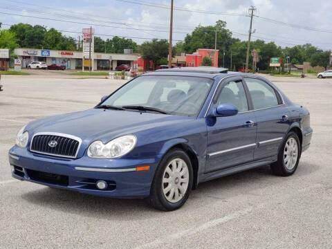2002 Hyundai Sonata for sale at Loco Motors in La Porte TX