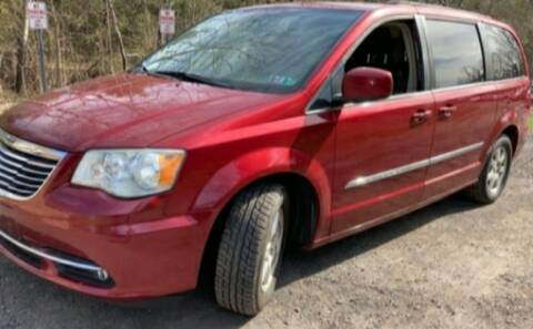 2011 Chrysler Town and Country for sale at BSA Pre-Owned Autos LLC in Hinton WV