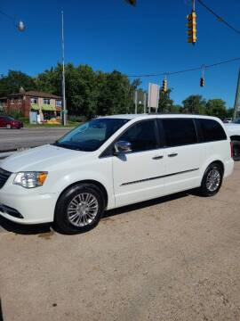 2013 Chrysler Town and Country for sale at Kevin Lapp Motors in Plymouth MI