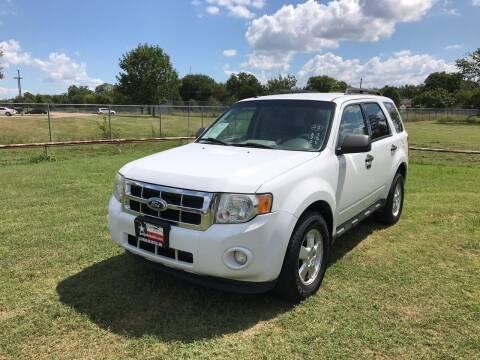 2011 Ford Escape for sale at LA PULGA DE AUTOS in Dallas TX