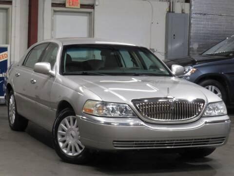 2006 Lincoln Town Car for sale at CarPlex in Manassas VA