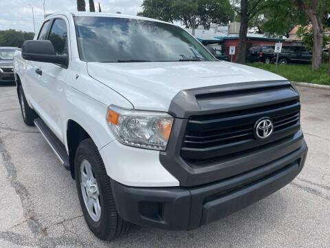 2014 Toyota Tundra for sale at PRESTIGE AUTOPLEX LLC in Austin TX