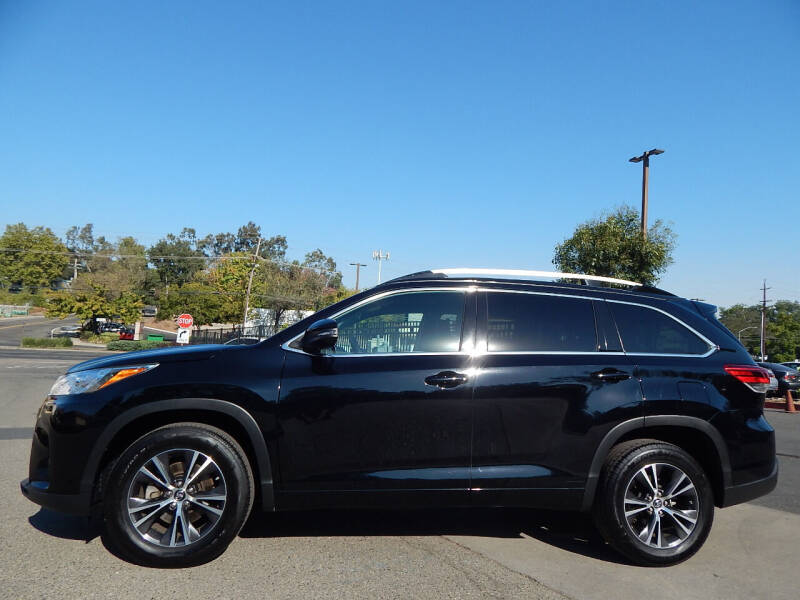 2018 Toyota Highlander for sale at Direct Auto Outlet LLC in Fair Oaks CA
