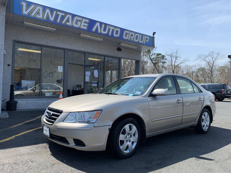 2010 Hyundai Sonata for sale at Vantage Auto Group in Brick NJ