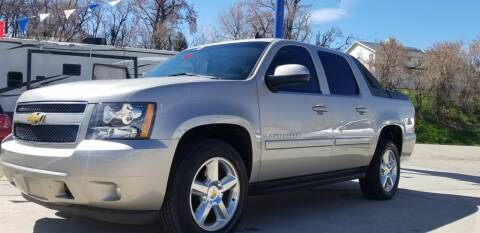 2008 Chevrolet Avalanche for sale at FRESH TREAD AUTO LLC in Springville UT