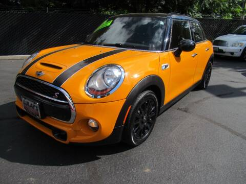 2015 MINI Hardtop 4 Door for sale at LULAY'S CAR CONNECTION in Salem OR