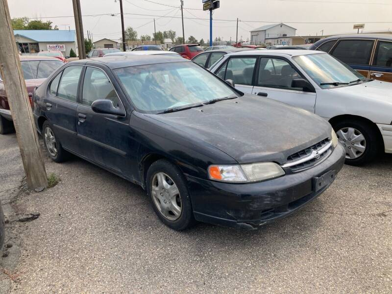 1998 Nissan Altima for sale at AFFORDABLY PRICED CARS LLC in Mountain Home ID