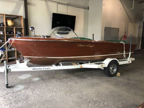 1957 Chris-Craft '18 Holiday
