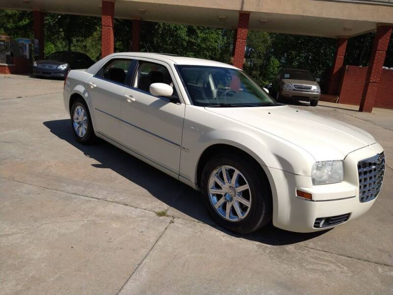 2008 Chrysler 300 for sale at A&Q Auto Sales in Gainesville GA