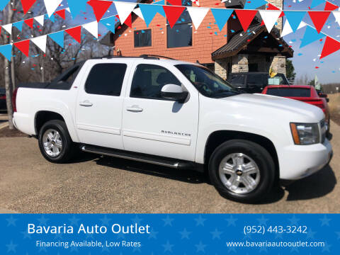 2011 Chevrolet Avalanche for sale at Bavaria Auto Outlet in Victoria MN