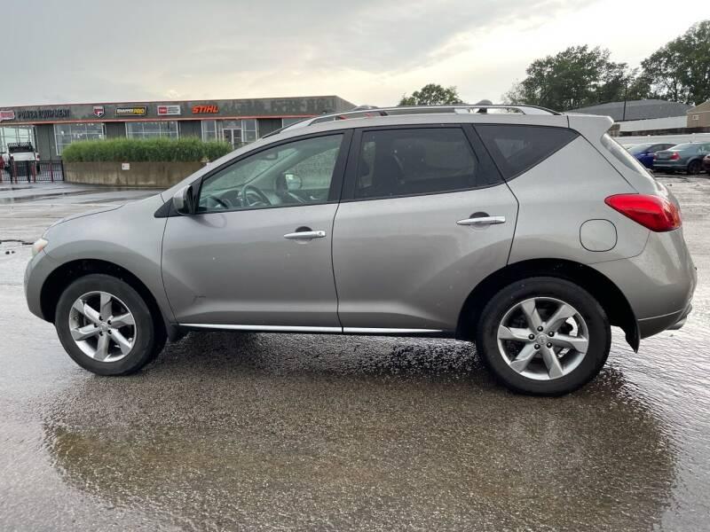 2009 Nissan Murano for sale at CHAD AUTO SALES in Bridgeton MO