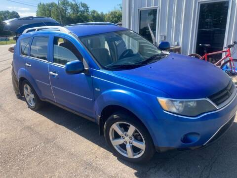 2007 Mitsubishi Outlander for sale at UpCountry Motors in Taylors SC