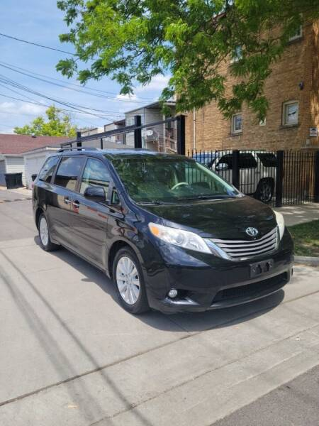 2011 Toyota Sienna for sale at MACK'S MOTOR SALES in Chicago IL