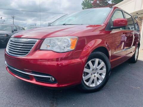 2013 Chrysler Town and Country for sale at North Georgia Auto Brokers in Snellville GA
