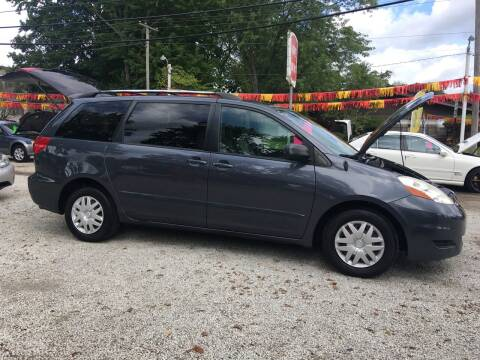 2008 Toyota Sienna for sale at Antique Motors in Plymouth IN