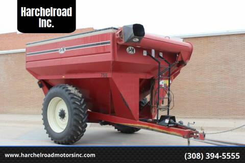1998 J&M 750-16 Grain Cart for sale at Harchelroad Inc. in Wauneta NE