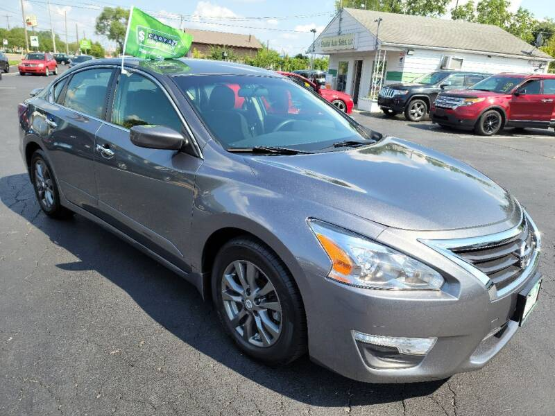 2015 Nissan Altima for sale at Shaddai Auto Sales in Whitehall OH