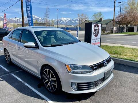 2013 Volkswagen Jetta for sale at The Car-Mart in Murray UT
