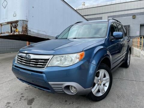 2010 Subaru Forester for sale at Illinois Auto Sales in Paterson NJ
