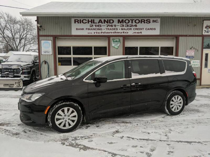 2018 Chrysler Pacifica for sale at Richland Motors in Cleveland OH