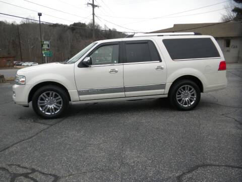 2007 Lincoln Navigator L for sale at D & B Auto Sales & Service in Martinsville VA
