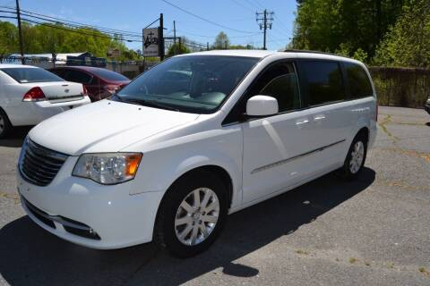 2014 Chrysler Town and Country for sale at Victory Auto Sales in Randleman NC