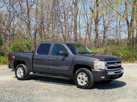 2010 Chevrolet Silverado 1500 for sale at Charlie's Used Cars in Thomasville NC