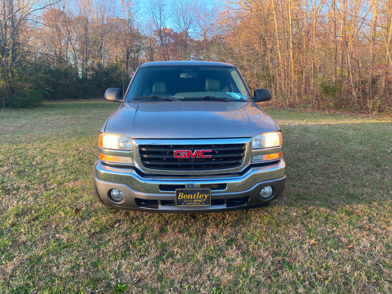 2006 GMC Sierra 1500 for sale at Midtown Motors in Greenbrier TN