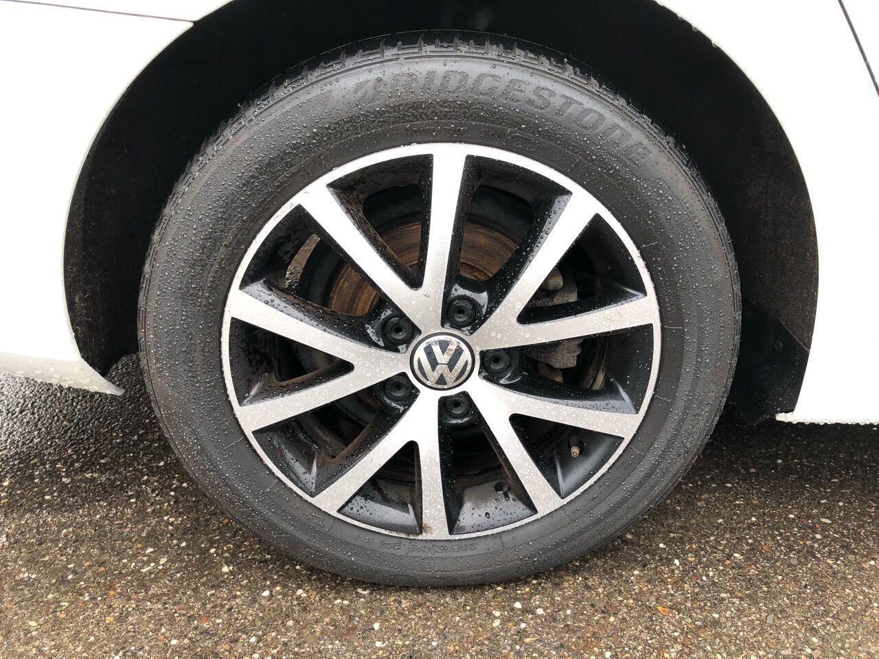 2016 Volkswagen Jetta 4dr Car