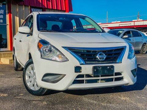 2016 Nissan Versa for sale at MAGNA CUM LAUDE AUTO COMPANY in Lubbock TX