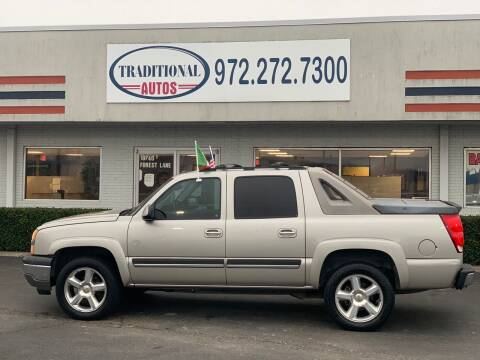 2005 Chevrolet Avalanche for sale at Traditional Autos in Dallas TX