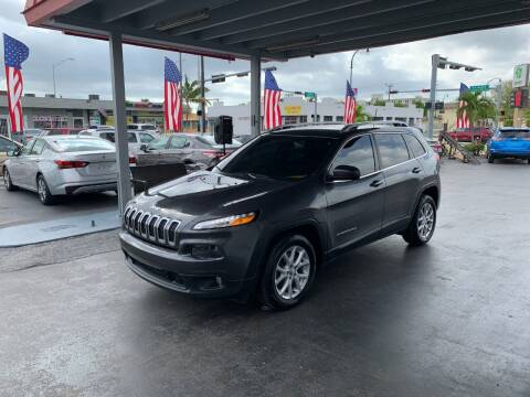 2016 Jeep Cherokee for sale at American Auto Sales in Hialeah FL